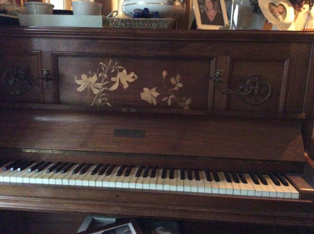 Liz Piano